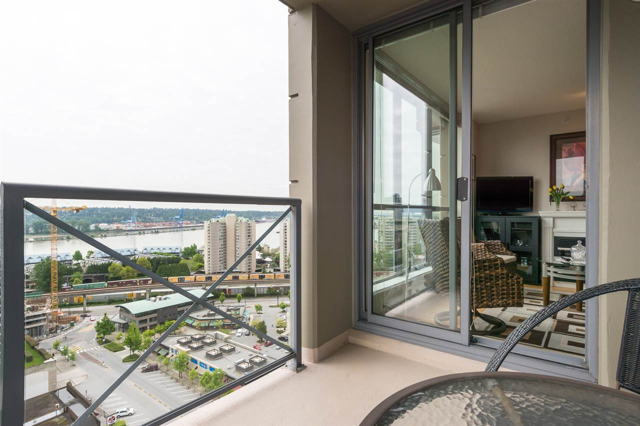 Condo Apartment at 1701 850 ROYAL AVENUE, Unit 1701, New Westminster, British Columbia. Image 9
