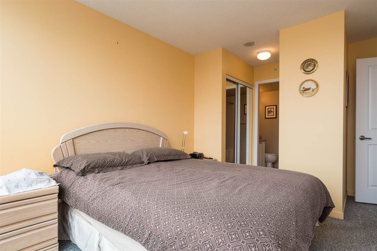 Condo Apartment at 1701 850 ROYAL AVENUE, Unit 1701, New Westminster, British Columbia. Image 13