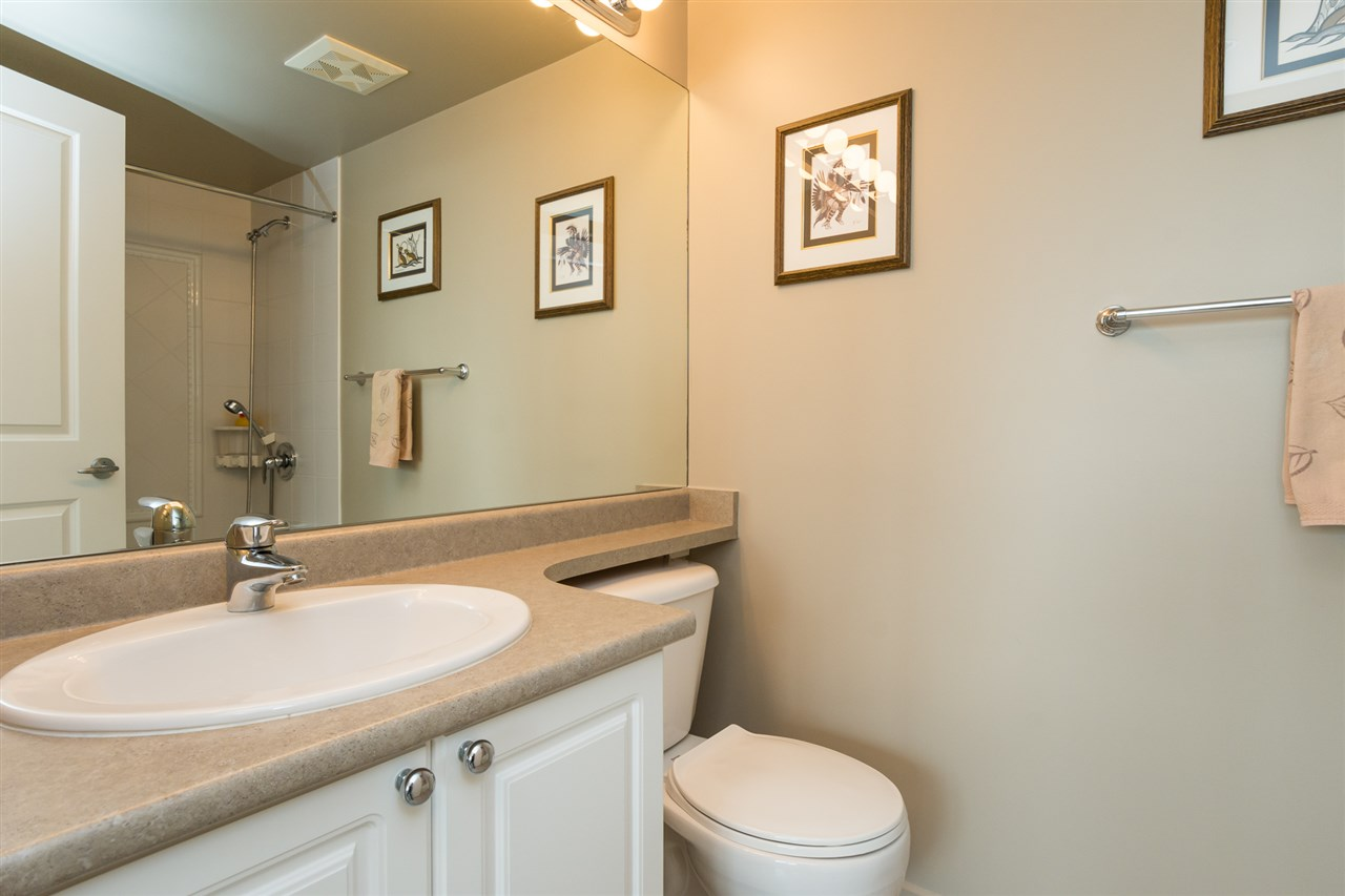 Condo Apartment at 1701 850 ROYAL AVENUE, Unit 1701, New Westminster, British Columbia. Image 15