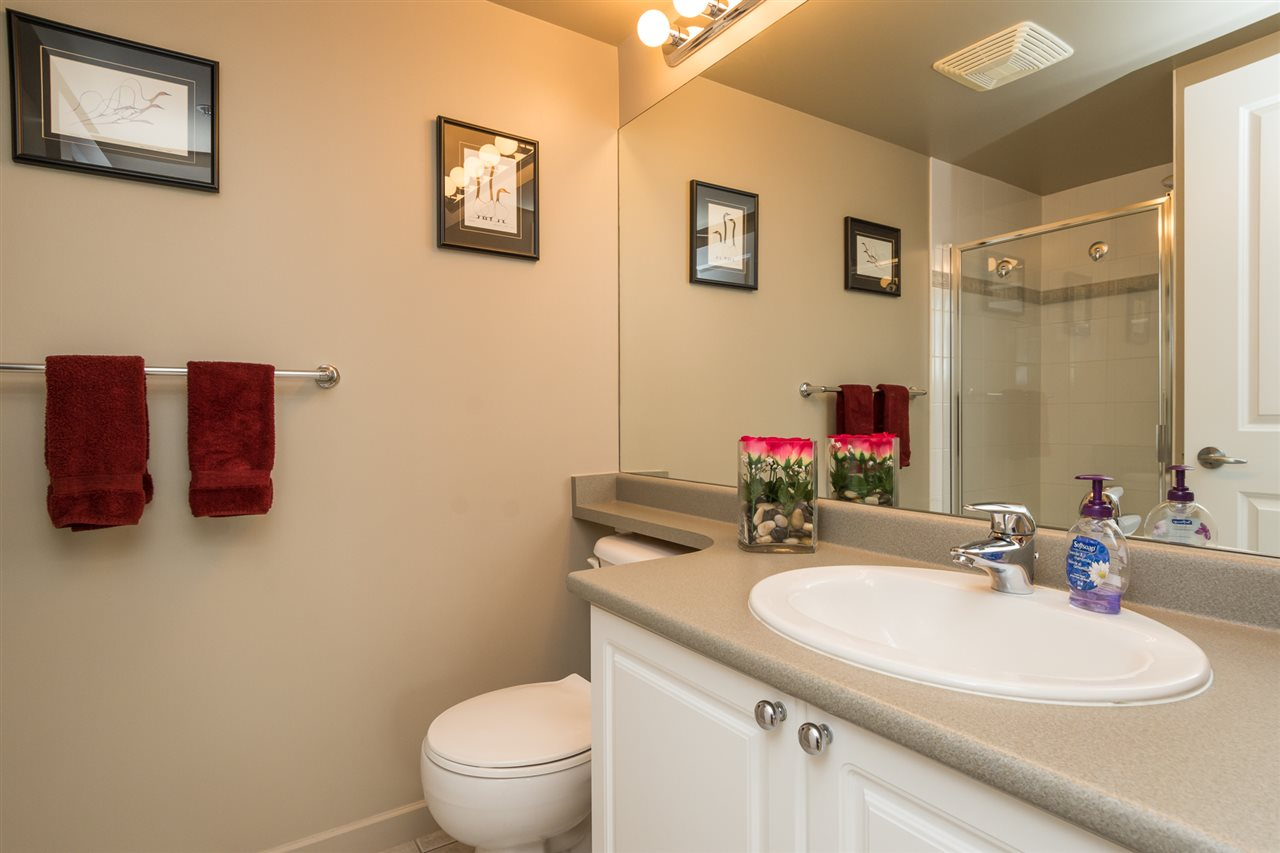 Condo Apartment at 1701 850 ROYAL AVENUE, Unit 1701, New Westminster, British Columbia. Image 17