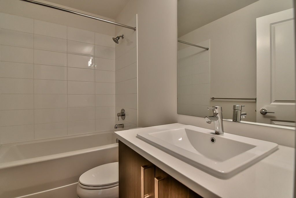 Townhouse at 107 8130 136A STREET, Unit 107, Surrey, British Columbia. Image 6