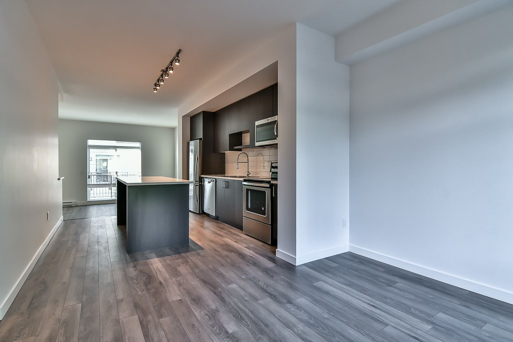 Townhouse at 107 8130 136A STREET, Unit 107, Surrey, British Columbia. Image 8