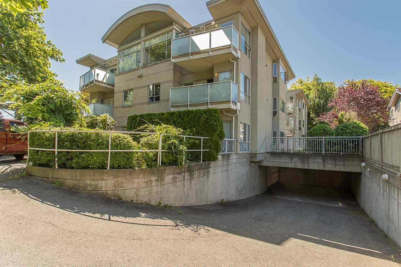 Condo Apartment at 12 33682 MARSHALL ROAD, Unit 12, Abbotsford, British Columbia. Image 2