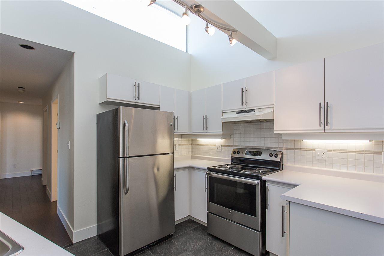 Condo Apartment at 12 33682 MARSHALL ROAD, Unit 12, Abbotsford, British Columbia. Image 4