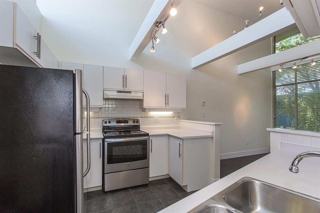 Condo Apartment at 12 33682 MARSHALL ROAD, Unit 12, Abbotsford, British Columbia. Image 5
