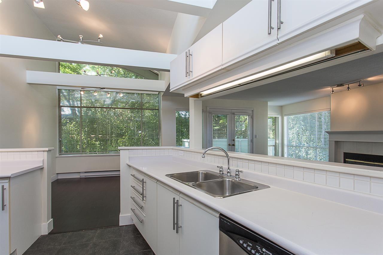 Condo Apartment at 12 33682 MARSHALL ROAD, Unit 12, Abbotsford, British Columbia. Image 6