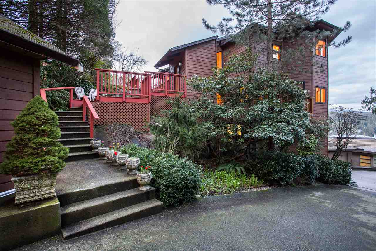 Detached at 1672 ROXBURY PLACE, North Vancouver, British Columbia. Image 19
