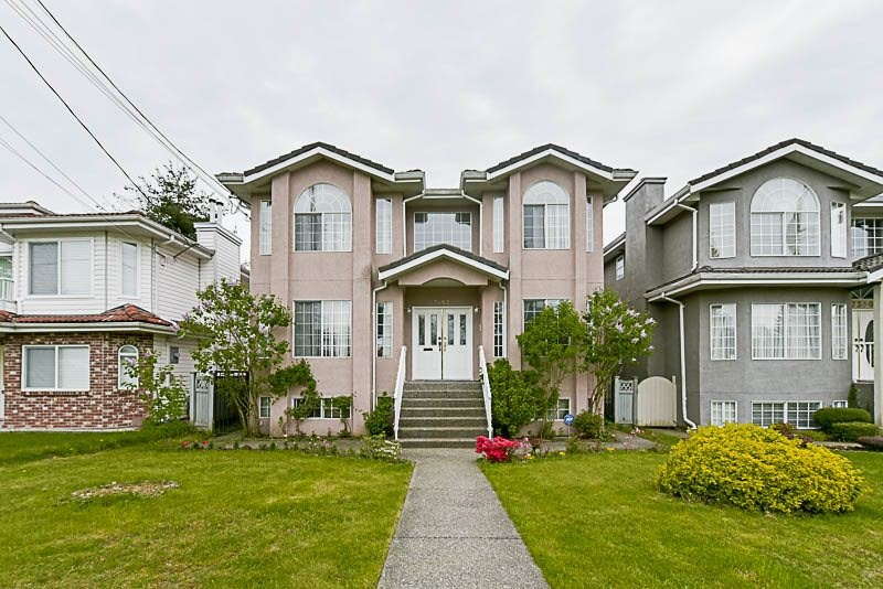 Detached at 7352 13 AVENUE, Burnaby East, British Columbia. Image 1