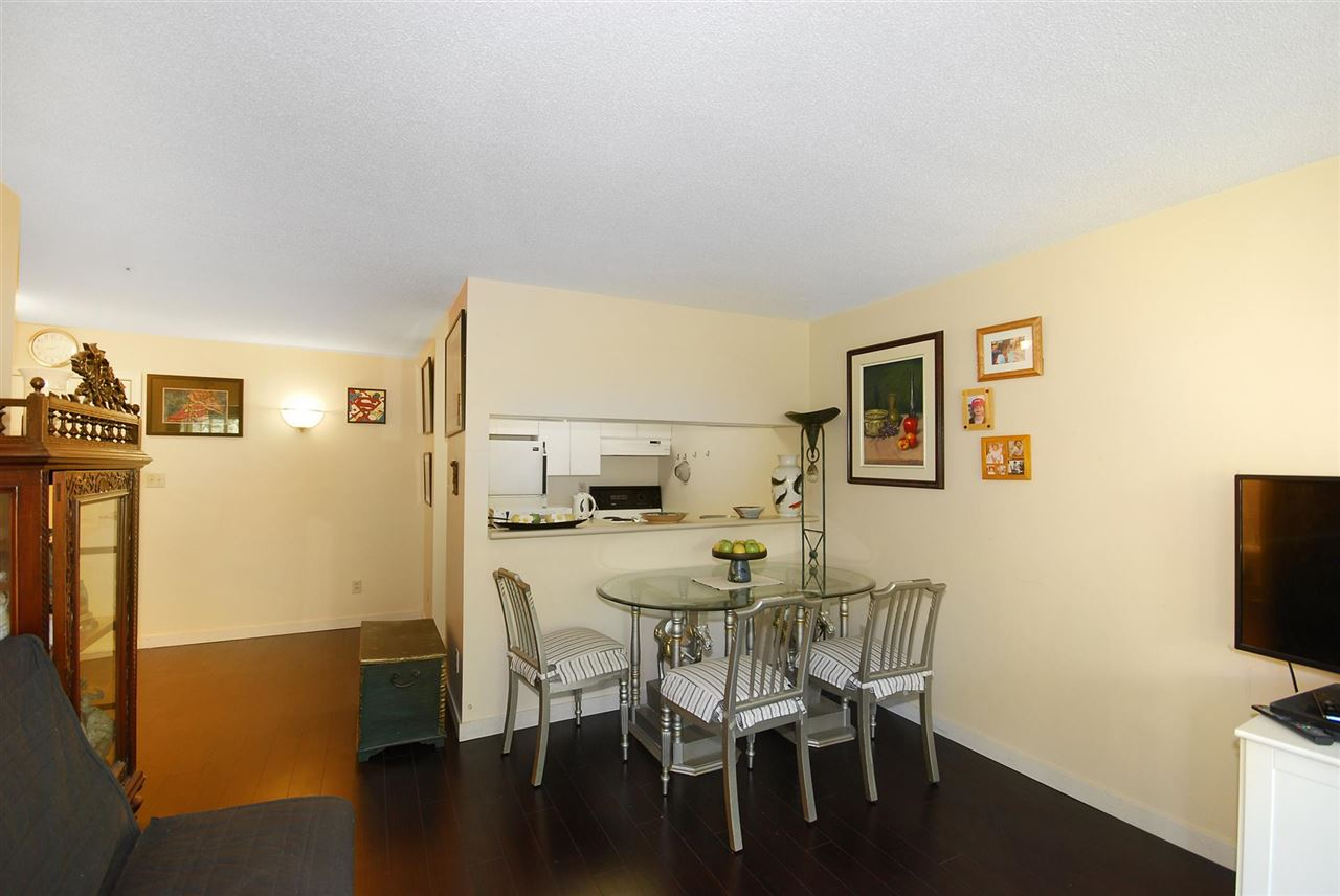 Condo Apartment at 212 3480 YARDLEY AVENUE, Unit 212, Vancouver East, British Columbia. Image 5