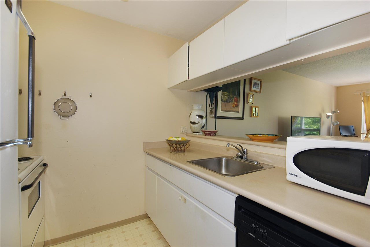 Condo Apartment at 212 3480 YARDLEY AVENUE, Unit 212, Vancouver East, British Columbia. Image 7