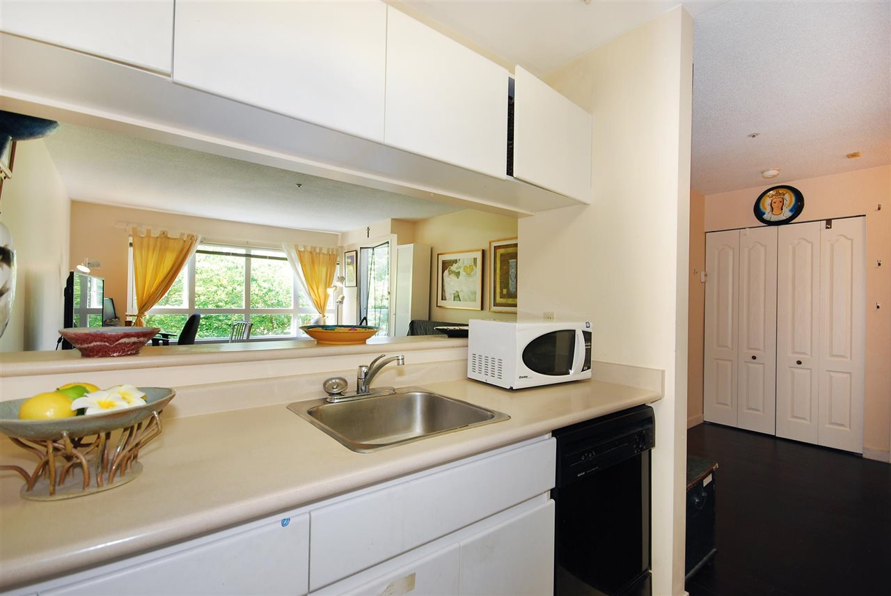 Condo Apartment at 212 3480 YARDLEY AVENUE, Unit 212, Vancouver East, British Columbia. Image 8