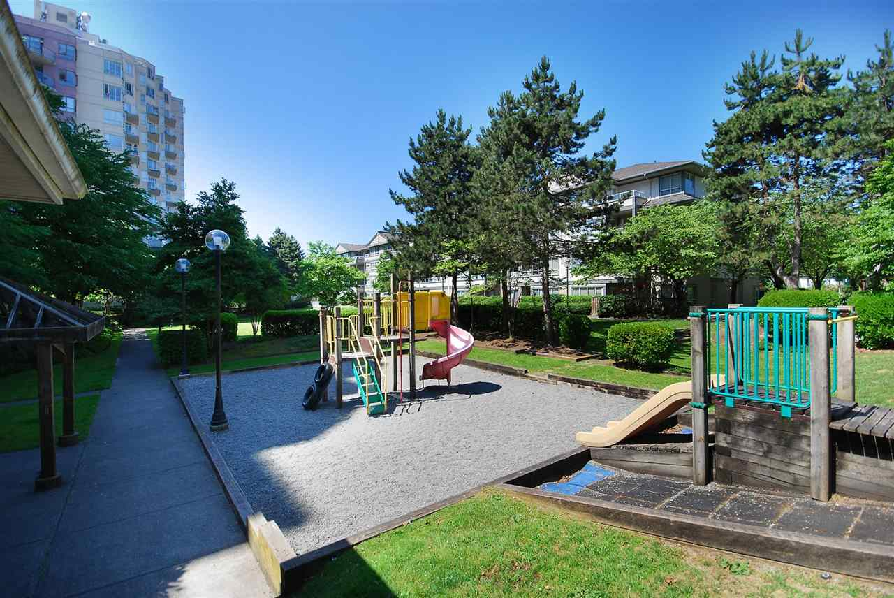 Condo Apartment at 212 3480 YARDLEY AVENUE, Unit 212, Vancouver East, British Columbia. Image 18