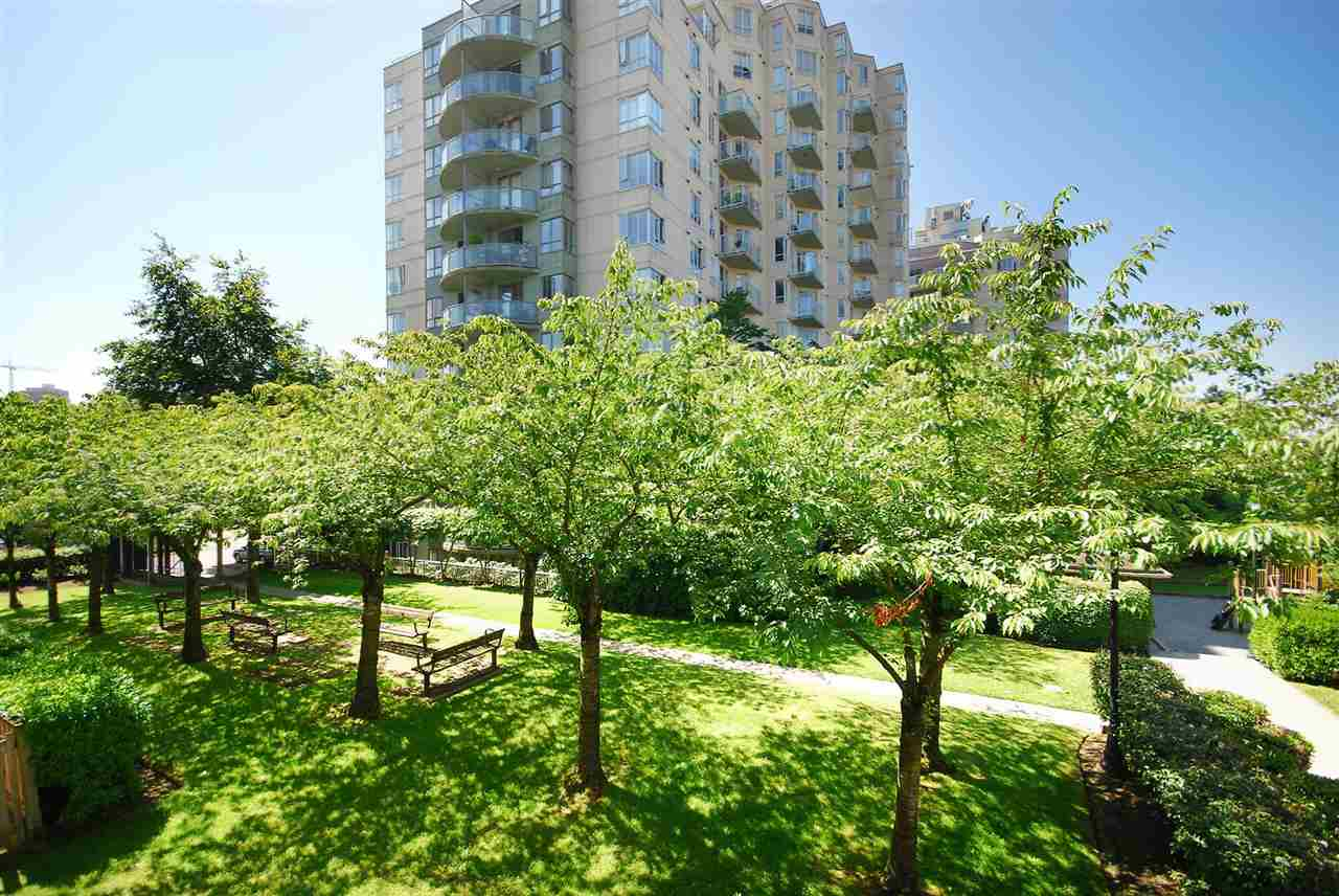 Condo Apartment at 212 3480 YARDLEY AVENUE, Unit 212, Vancouver East, British Columbia. Image 20