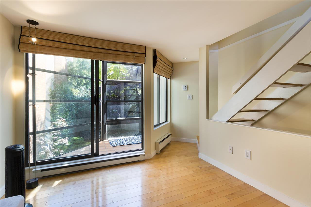 Townhouse at 114 811 W 7TH AVENUE, Unit 114, Vancouver West, British Columbia. Image 7