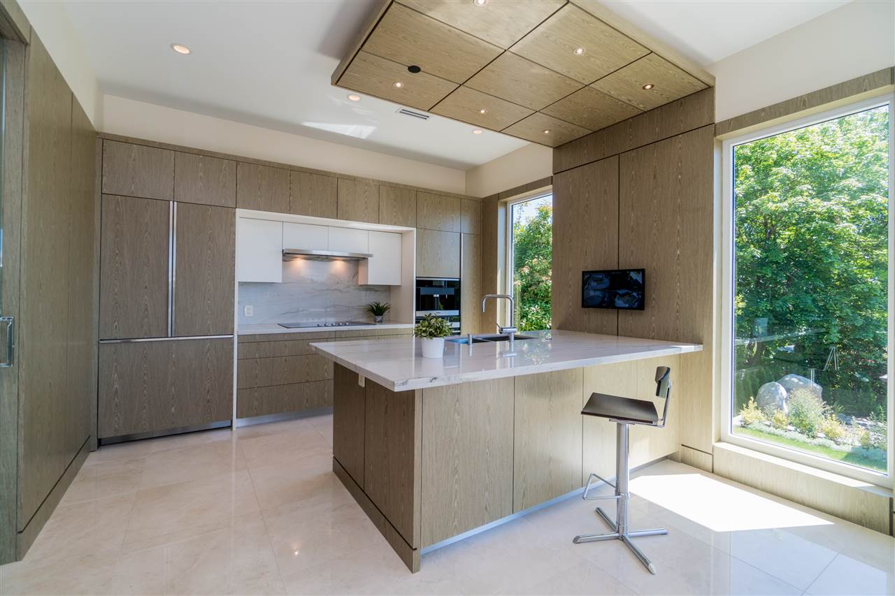 Detached at 2220 LAWSON AVENUE, West Vancouver, British Columbia. Image 8