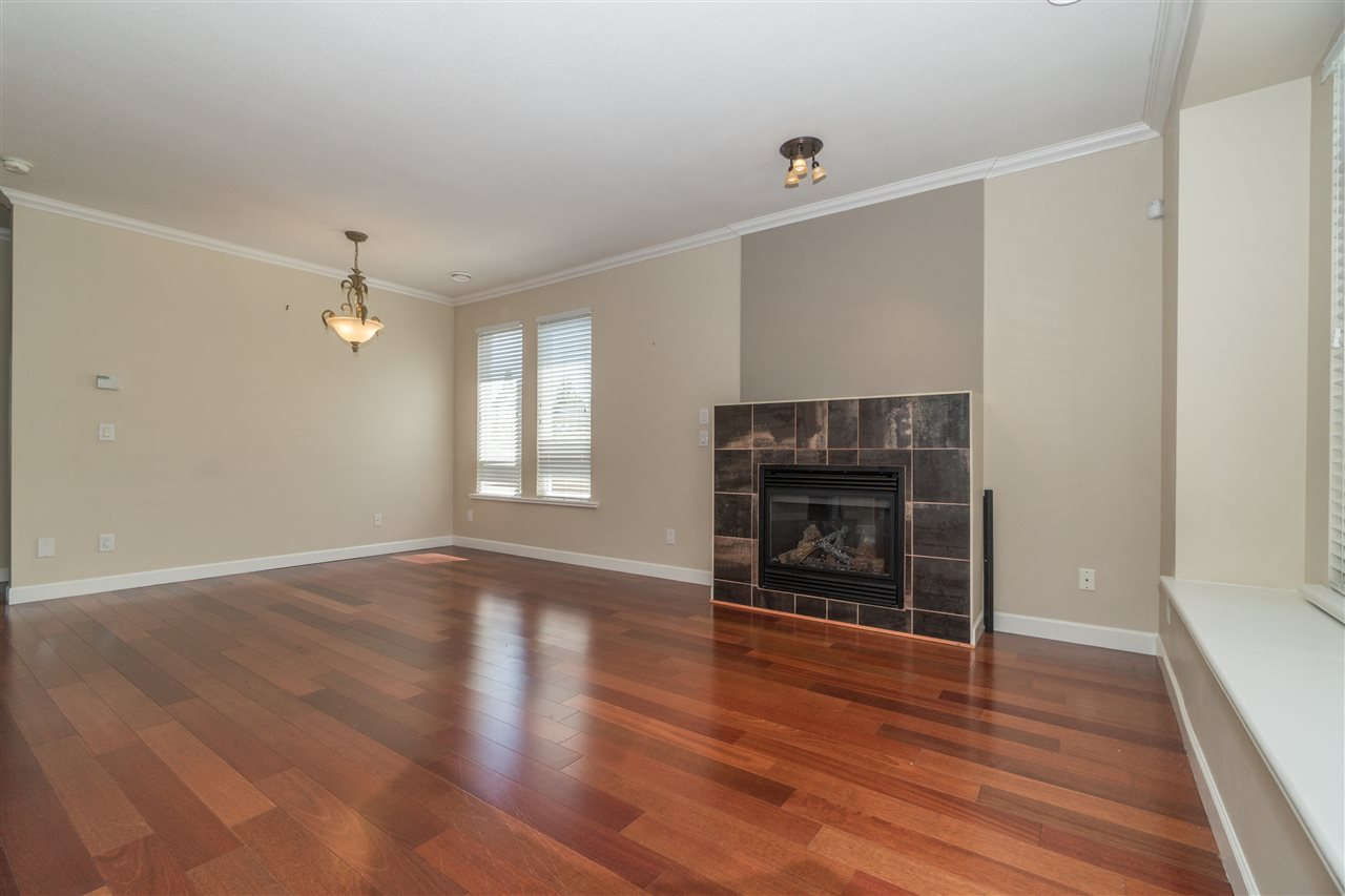 Detached at 1644 MACGOWAN AVENUE, North Vancouver, British Columbia. Image 3