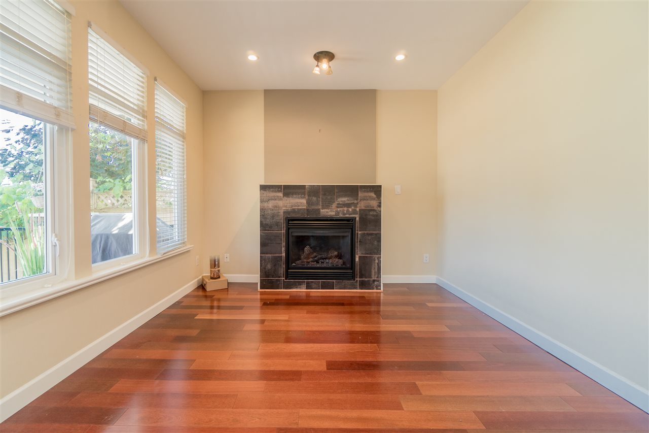 Detached at 1644 MACGOWAN AVENUE, North Vancouver, British Columbia. Image 4