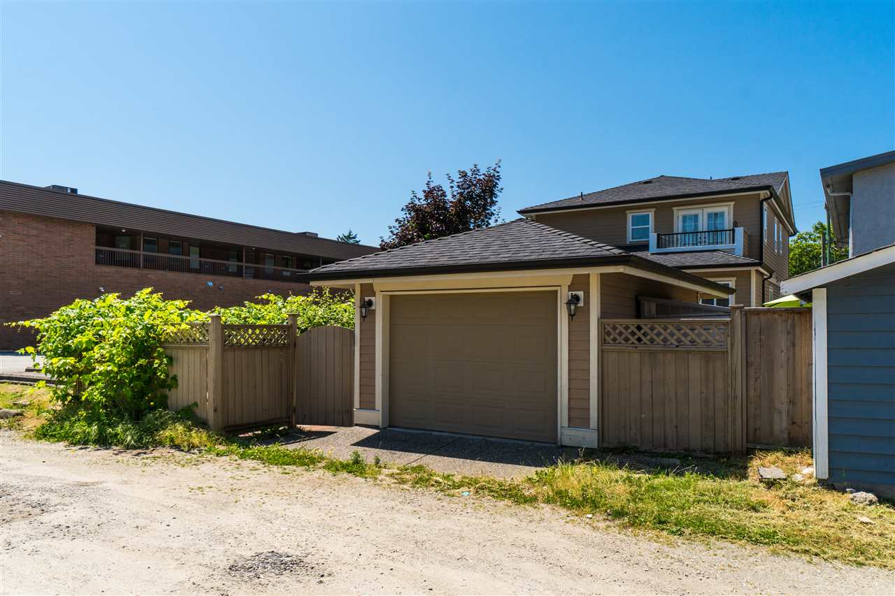 Detached at 1644 MACGOWAN AVENUE, North Vancouver, British Columbia. Image 20