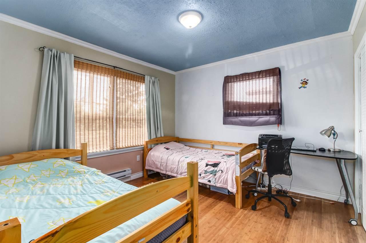 Half-duplex at 7251 16TH AVENUE, Burnaby East, British Columbia. Image 4