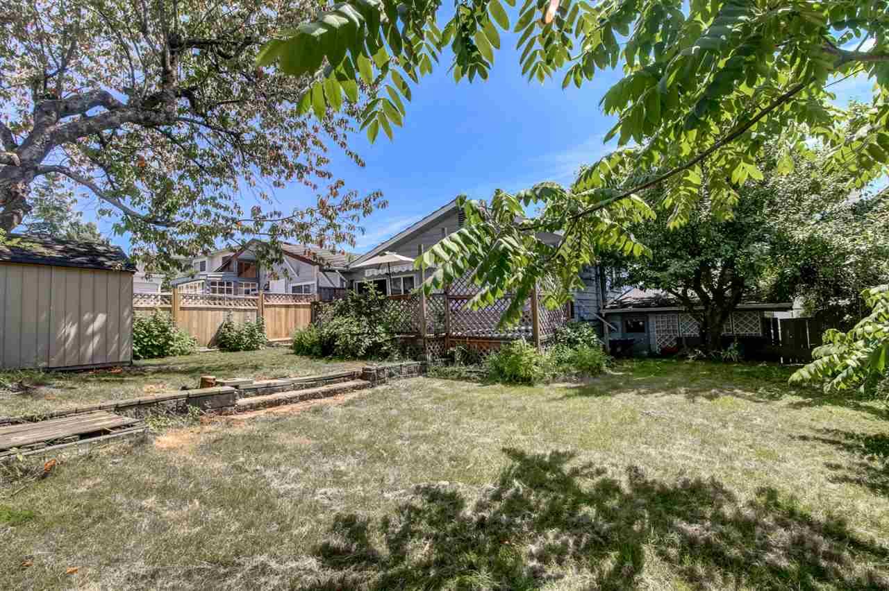 Half-duplex at 7251 16TH AVENUE, Burnaby East, British Columbia. Image 15