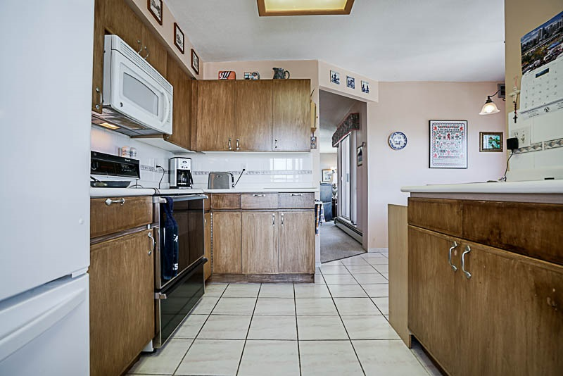 Condo Apartment at 1705 612 FIFTH AVENUE, Unit 1705, New Westminster, British Columbia. Image 3