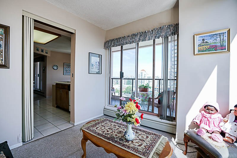 Condo Apartment at 1705 612 FIFTH AVENUE, Unit 1705, New Westminster, British Columbia. Image 9