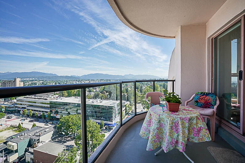 Condo Apartment at 1705 612 FIFTH AVENUE, Unit 1705, New Westminster, British Columbia. Image 13