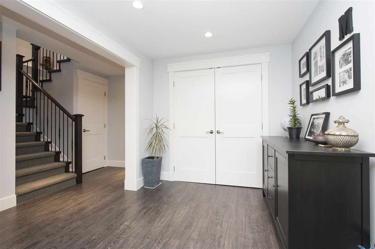Detached at 943 EVERGREEN PLACE, North Vancouver, British Columbia. Image 5