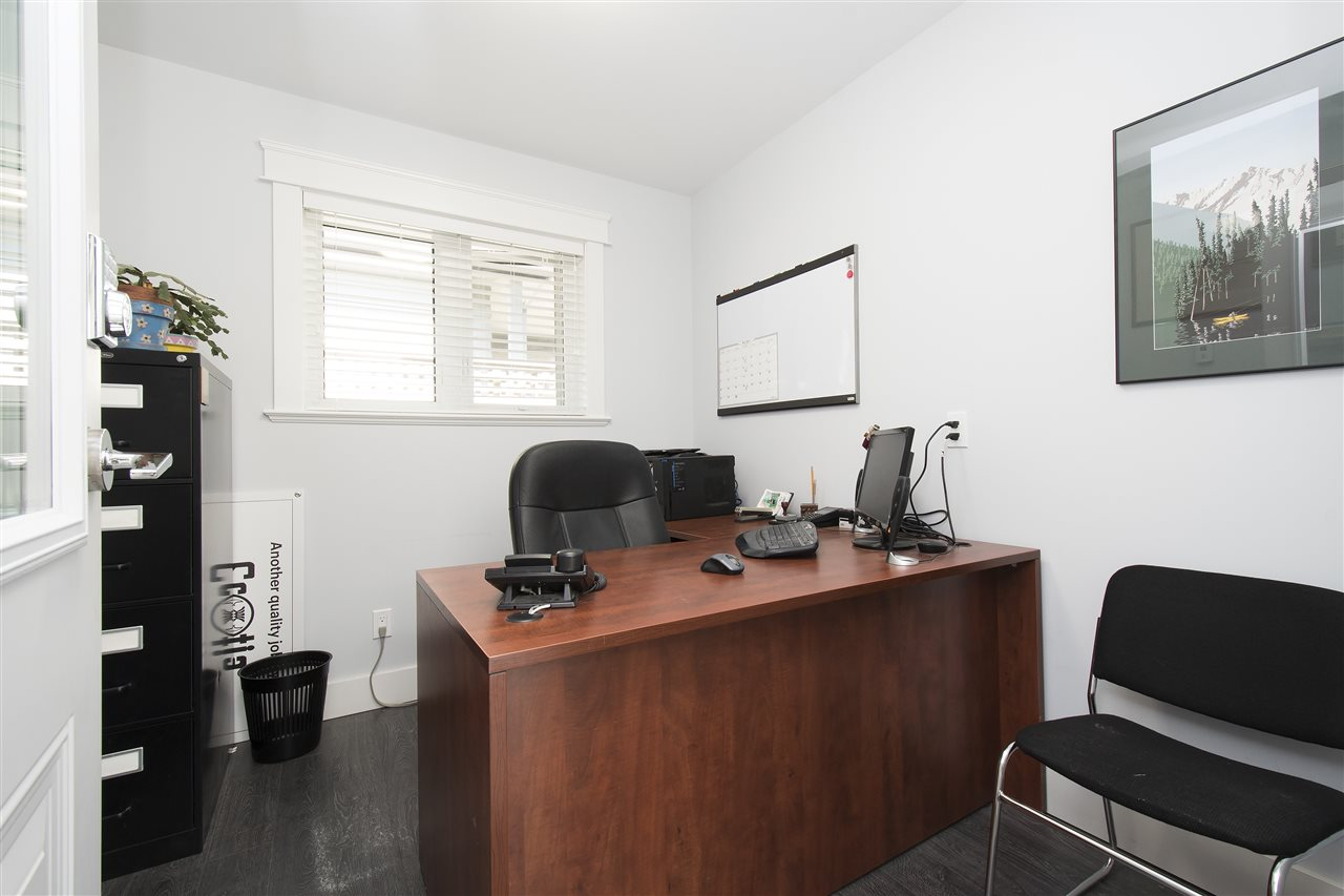 Detached at 943 EVERGREEN PLACE, North Vancouver, British Columbia. Image 11