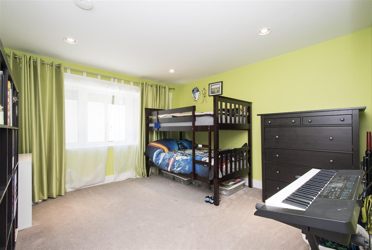 Detached at 943 EVERGREEN PLACE, North Vancouver, British Columbia. Image 14