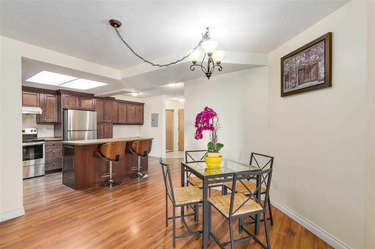 Condo Apartment at 807 1185 QUAYSIDE DRIVE, Unit 807, New Westminster, British Columbia. Image 6