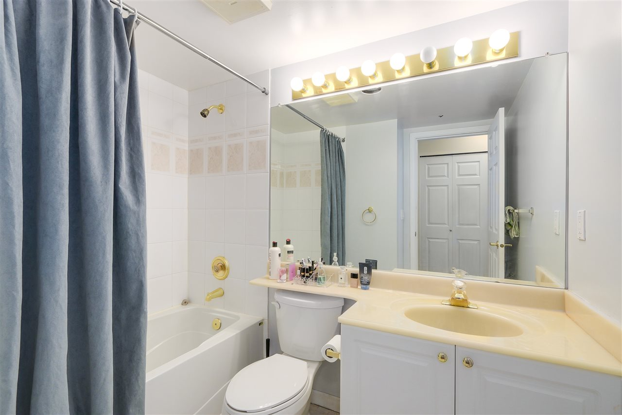 Condo Apartment at 807 1185 QUAYSIDE DRIVE, Unit 807, New Westminster, British Columbia. Image 18
