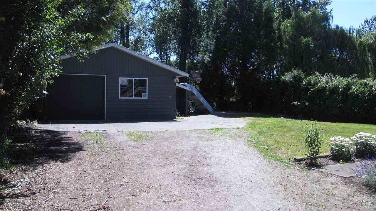 Detached at 18470 74 AVENUE, Cloverdale, British Columbia. Image 17