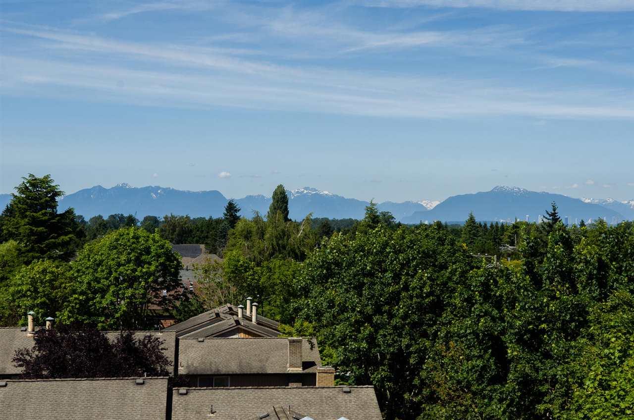 Condo Apartment at 309 4815 55B STREET, Unit 309, Ladner, British Columbia. Image 17