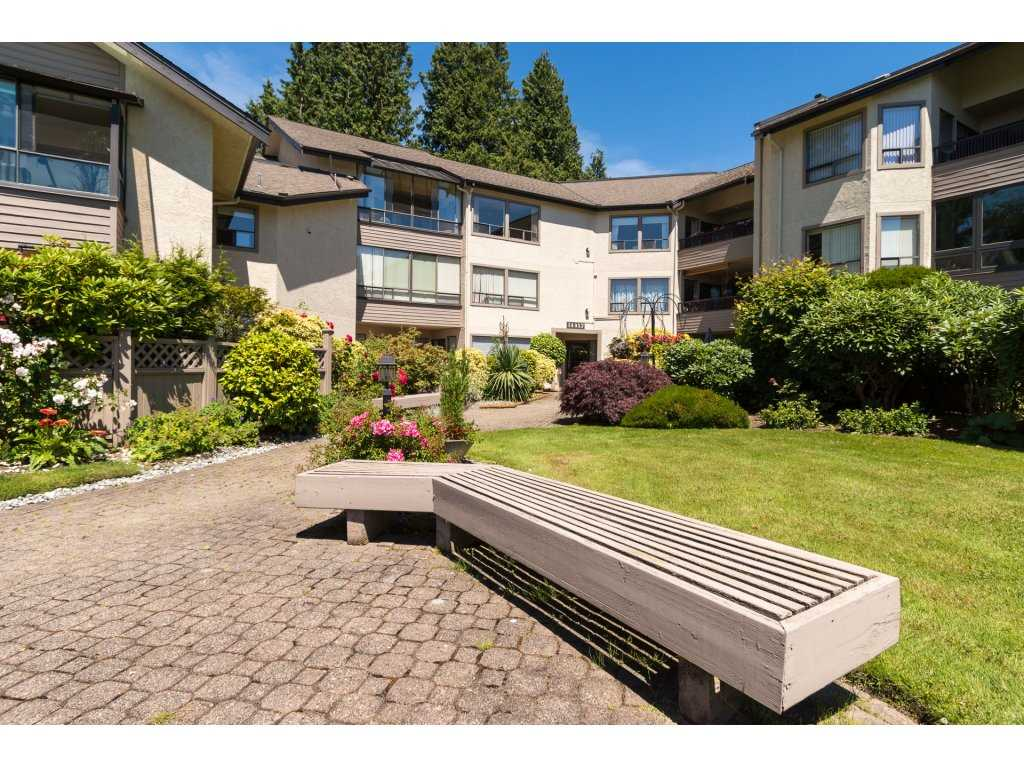 Condo Apartment at 102 14957 THRIFT AVENUE, Unit 102, South Surrey White Rock, British Columbia. Image 2