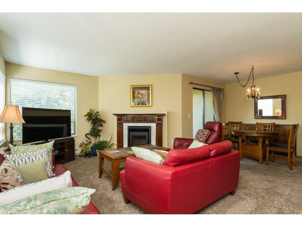 Condo Apartment at 102 14957 THRIFT AVENUE, Unit 102, South Surrey White Rock, British Columbia. Image 5