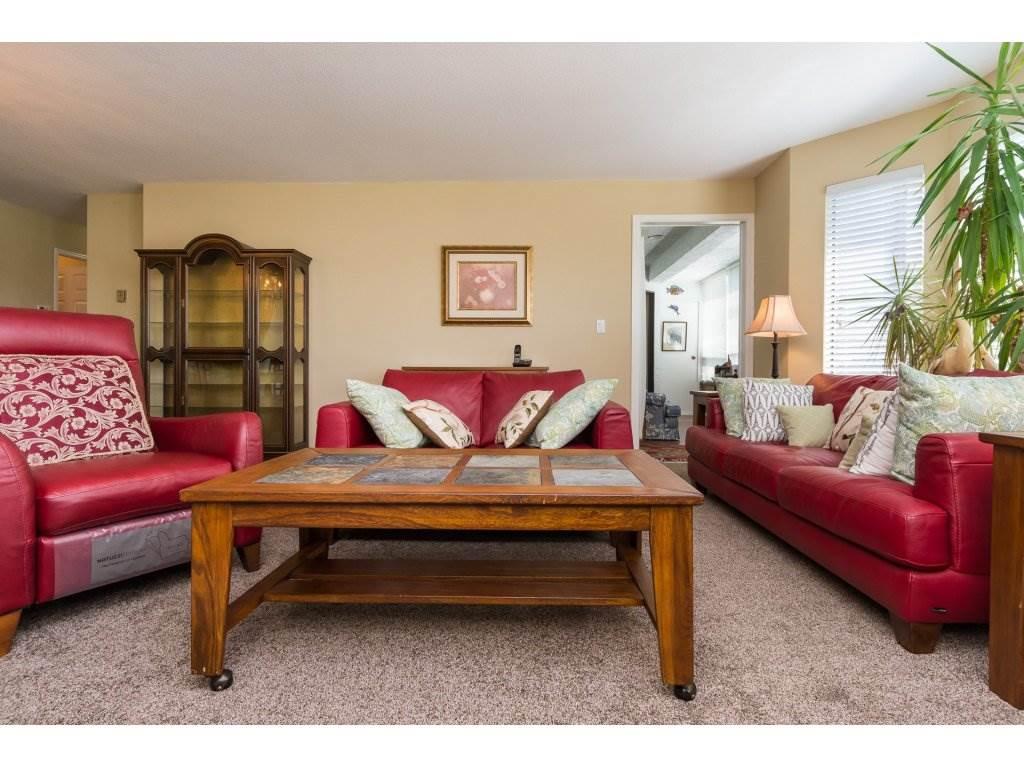 Condo Apartment at 102 14957 THRIFT AVENUE, Unit 102, South Surrey White Rock, British Columbia. Image 6