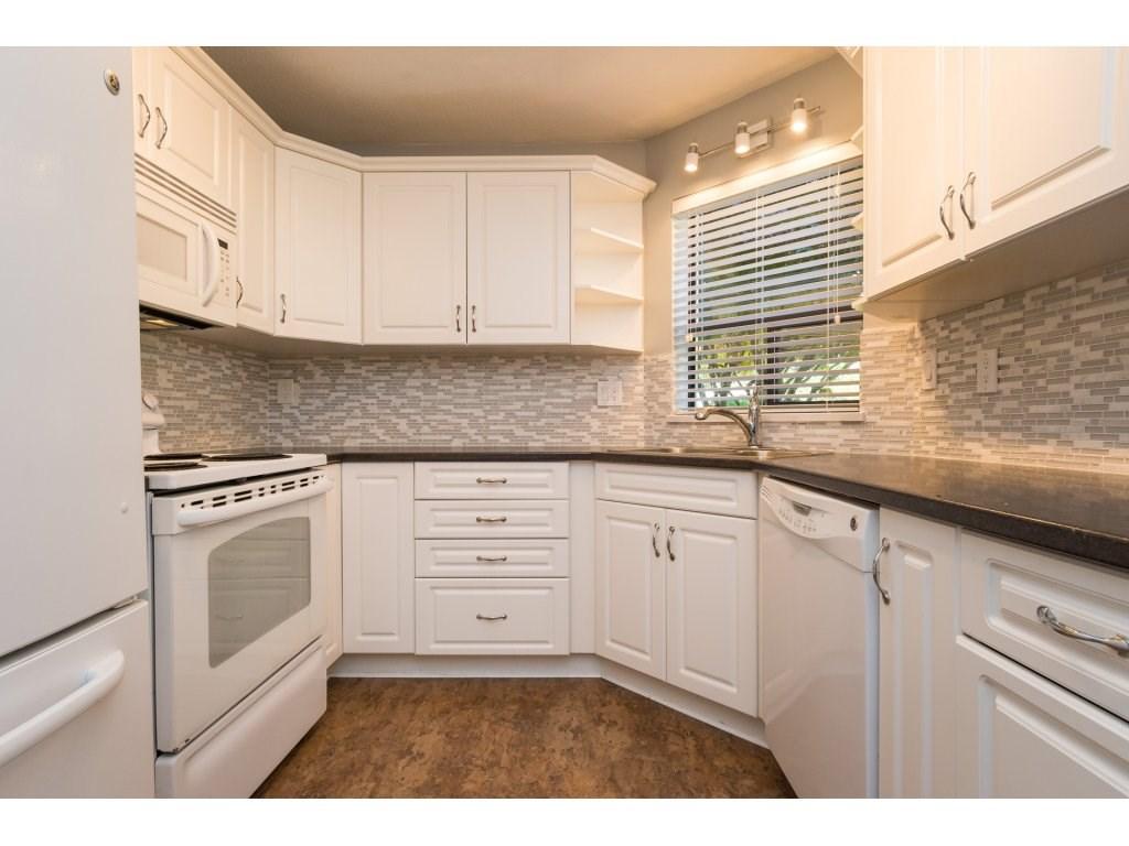 Condo Apartment at 102 14957 THRIFT AVENUE, Unit 102, South Surrey White Rock, British Columbia. Image 8