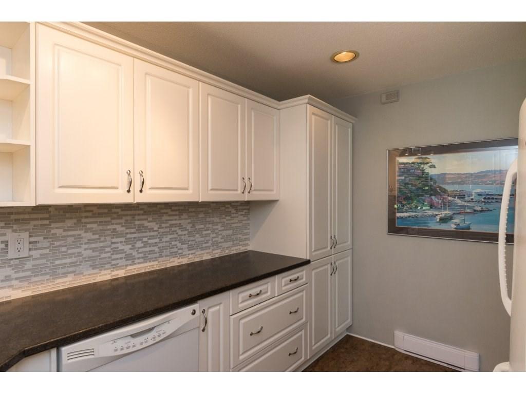Condo Apartment at 102 14957 THRIFT AVENUE, Unit 102, South Surrey White Rock, British Columbia. Image 9