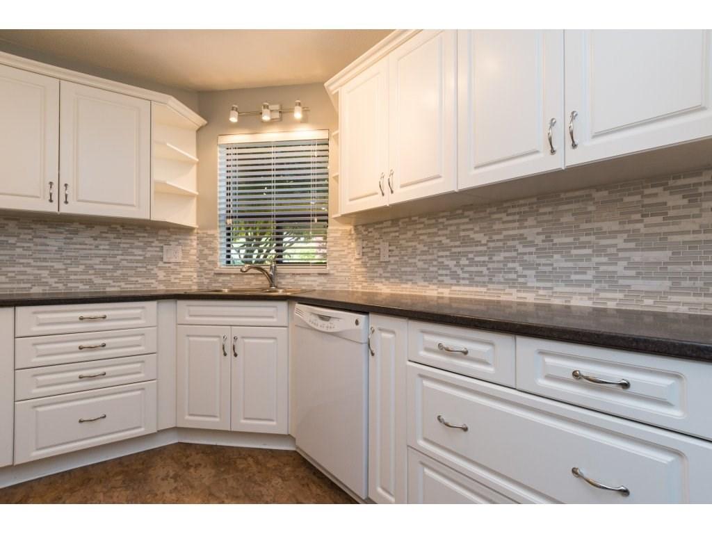 Condo Apartment at 102 14957 THRIFT AVENUE, Unit 102, South Surrey White Rock, British Columbia. Image 10