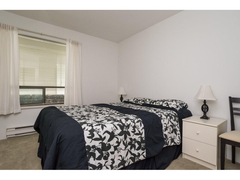 Condo Apartment at 102 14957 THRIFT AVENUE, Unit 102, South Surrey White Rock, British Columbia. Image 13
