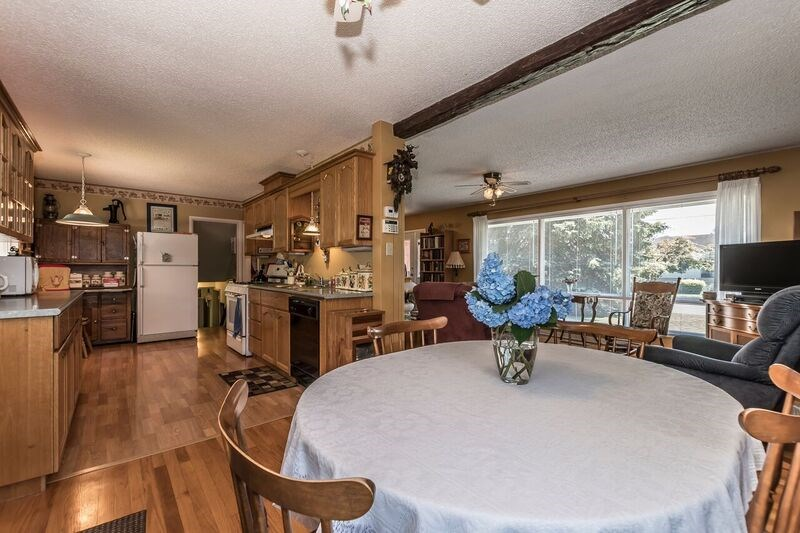 Detached at 45817 BERKELEY AVENUE, Chilliwack, British Columbia. Image 5