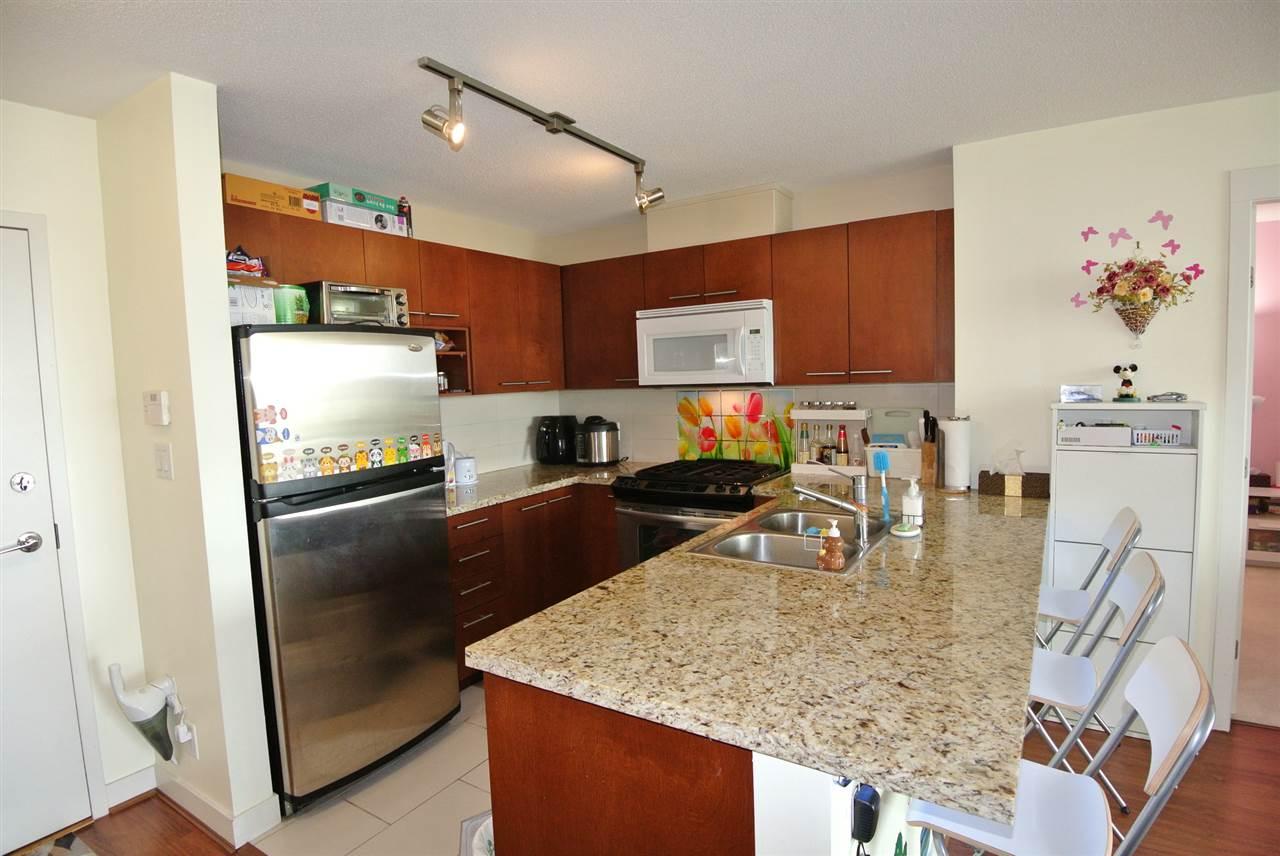 Condo Apartment at 902 9171 FERNDALE ROAD, Unit 902, Richmond, British Columbia. Image 5