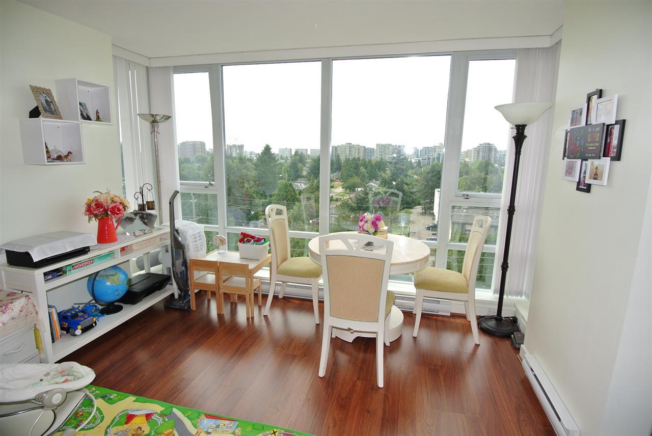 Condo Apartment at 902 9171 FERNDALE ROAD, Unit 902, Richmond, British Columbia. Image 6