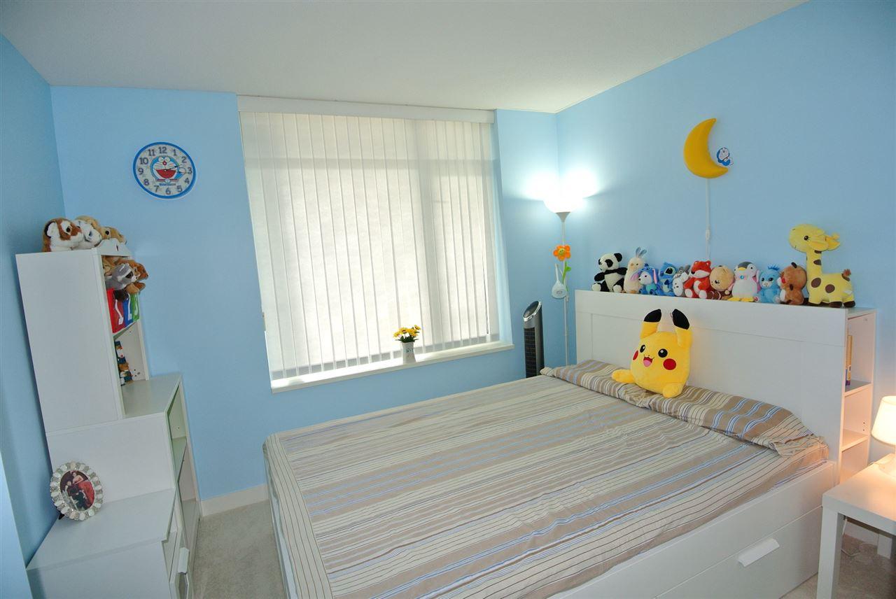 Condo Apartment at 902 9171 FERNDALE ROAD, Unit 902, Richmond, British Columbia. Image 8