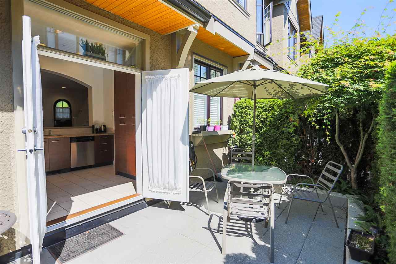 Townhouse at 5326 OAK STREET, Vancouver West, British Columbia. Image 13