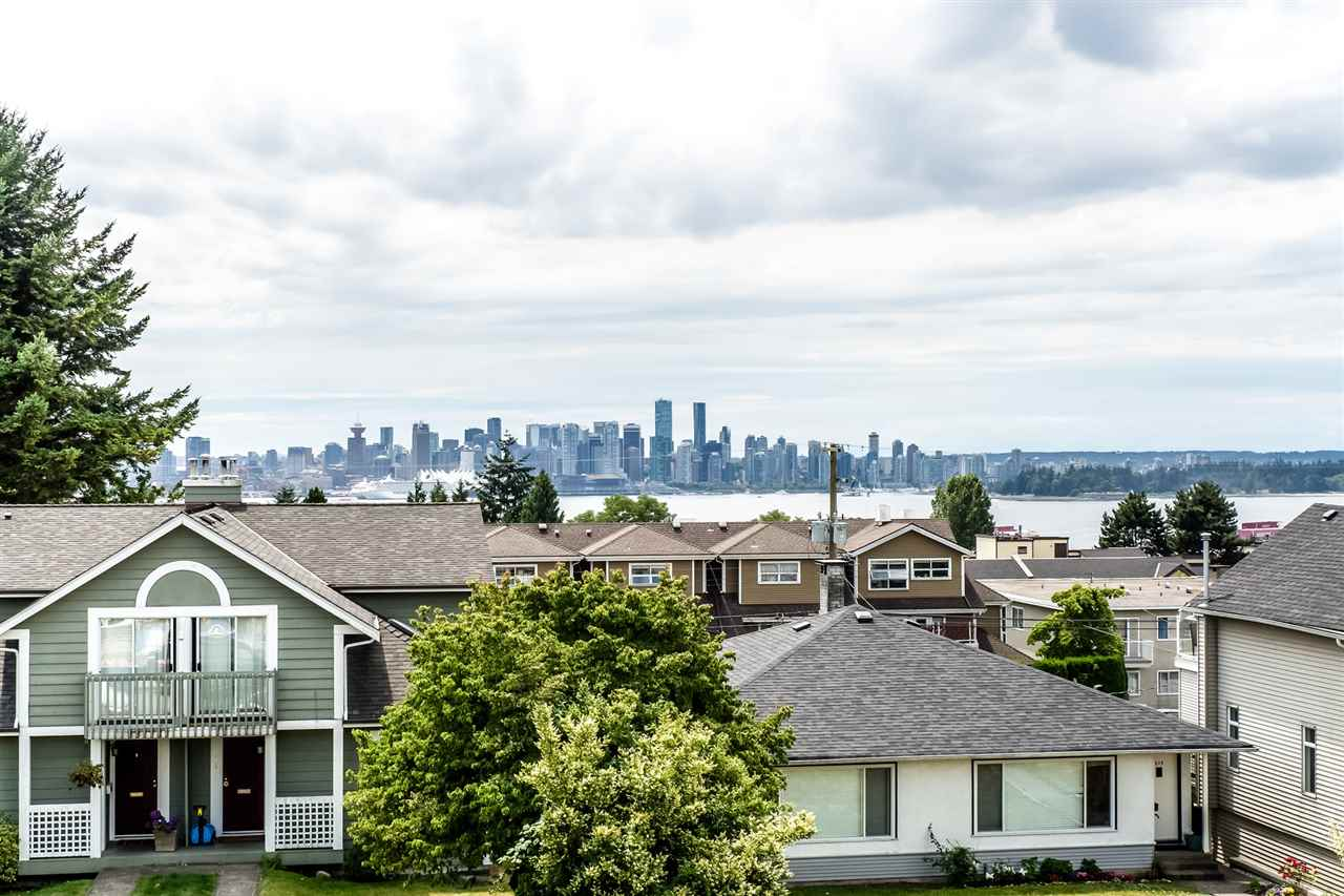 Half-duplex at 210 W 5TH STREET, North Vancouver, British Columbia. Image 1