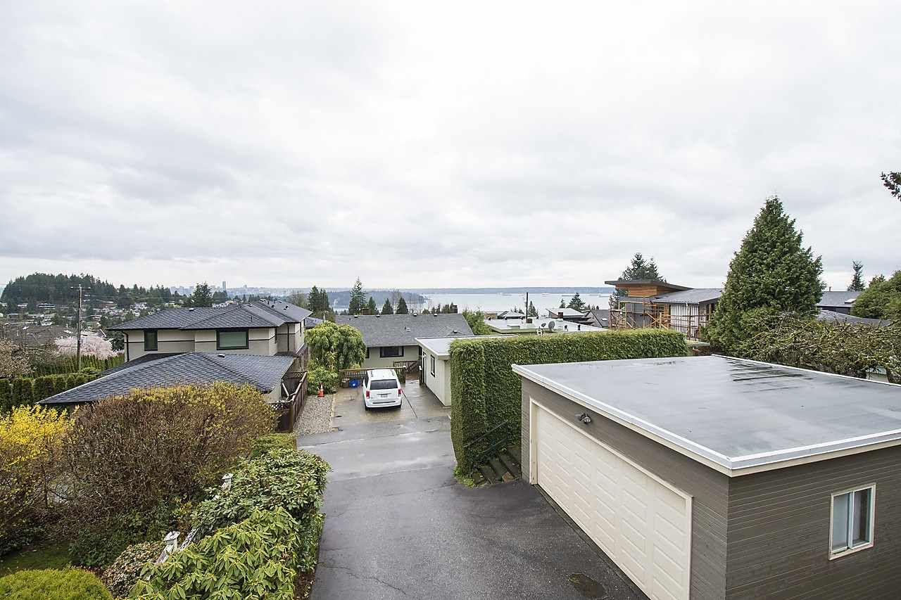 Detached at 1120 QUEENS AVENUE, West Vancouver, British Columbia. Image 1