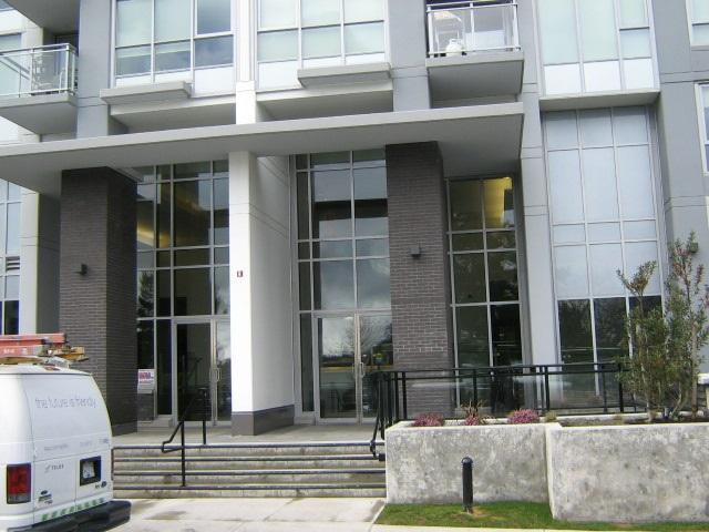 Condo Apartment at 3501 13325 102A AVENUE, Unit 3501, North Surrey, British Columbia. Image 3