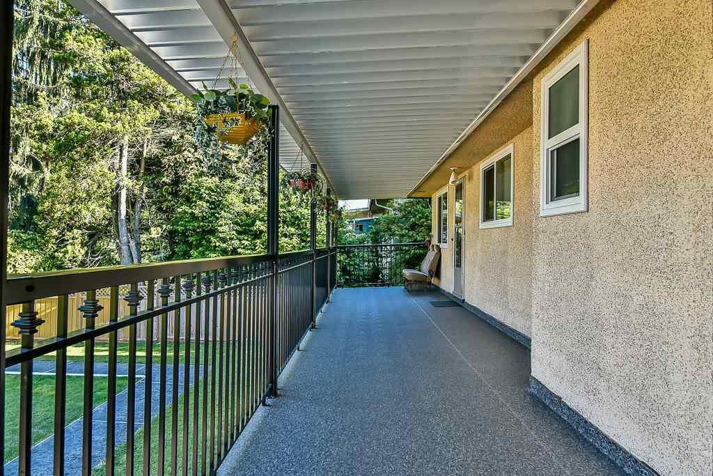 Detached at 9770 124 STREET, North Surrey, British Columbia. Image 19